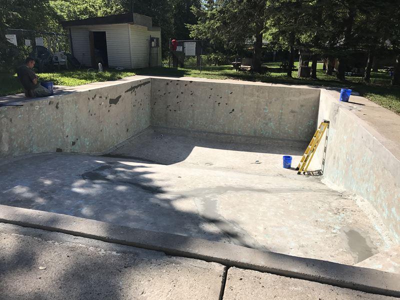Pool sandblasting